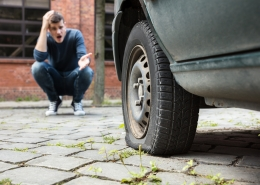 how long does it take to change a flat tire